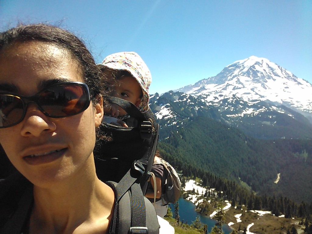 Hiking to mountain views (Mount Rainier National Park)